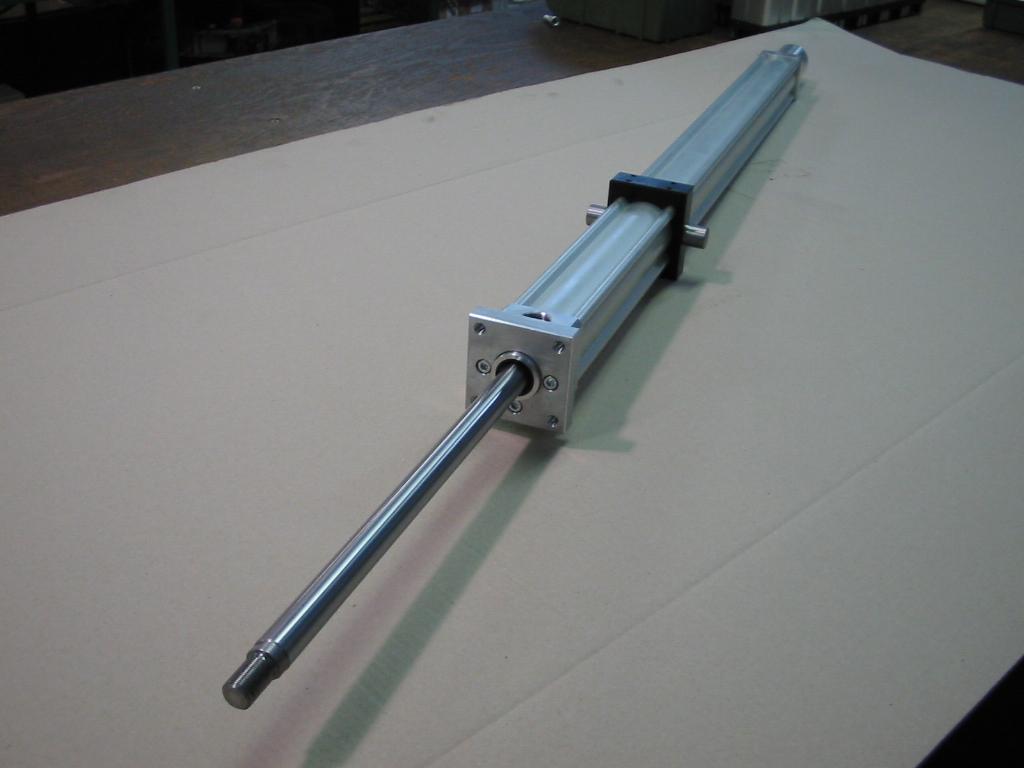Cilindro pneumatico su misura