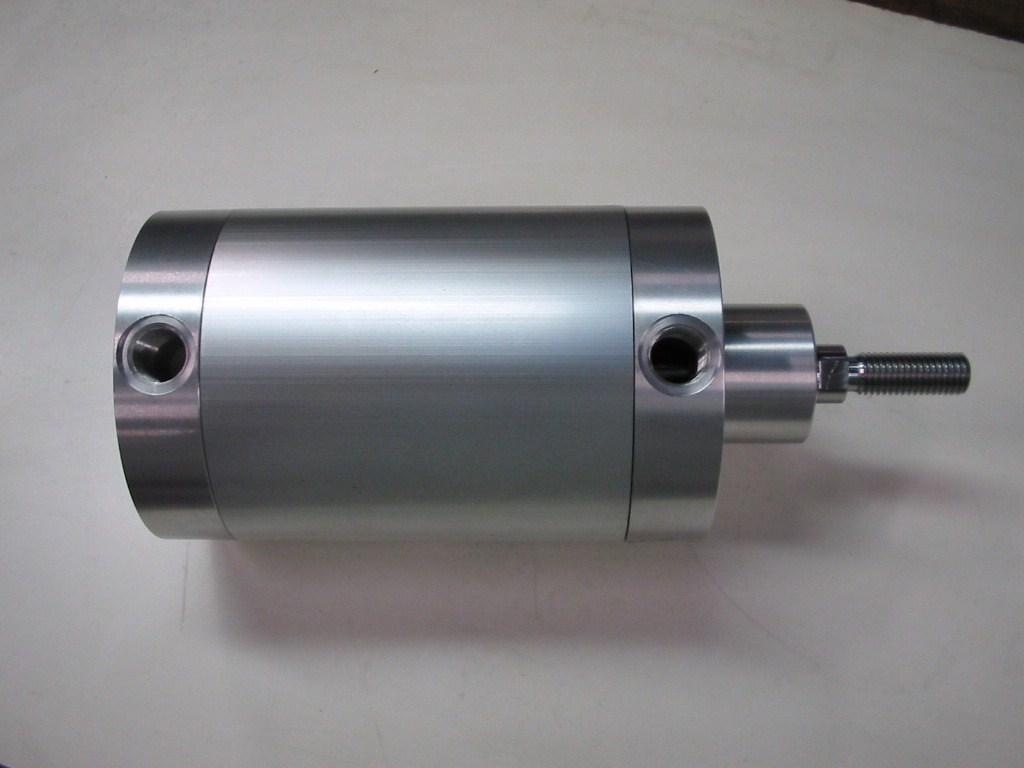 prodotto speciale - cilindro avvitato